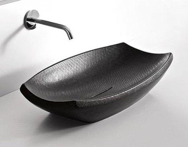 Раковина для ванной, выполненная в черном цвете